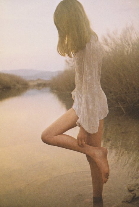 David Hamilton Pictures http://sunlovefun.wordpress.com/2011/06/25/fotografia-david-hamilton/